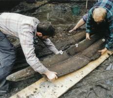 Wydobywanie dziobnicy łodzi